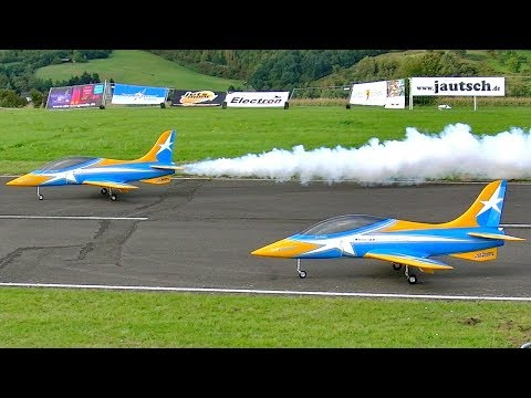 "GIGANTIC RC FLIGHT SHOW TWO ""EA HAVOC"" 32KG XXL RC TURBINE MODEL JET´S FLIGHT TO MUSIC"
