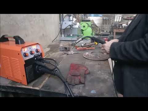 Варим флюсовой проволокой, обычной и электродами. Обзор и испытание полуавтомата