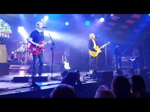 Ride - charm assault  live at the bbc 6 music festival glasgow barrowlands 2017