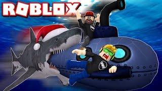 HOW TO SURVIVE SHARK ATTACK UNDERWATER in ROBLOX SHARKBITE
