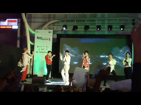 IN2IT 인투잇 LIVE - LOVE in Hindi? lovely reply by crazy Fans | KOREA Festival  2019, India