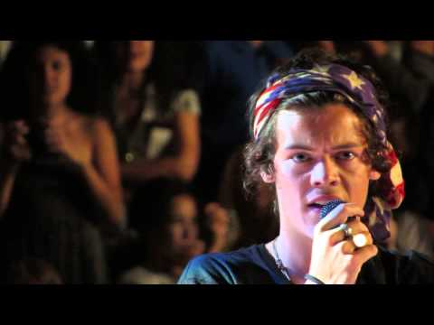 One Direction - Twitter Questions - BSE Impressions - Aug 7th LA, Staples Center