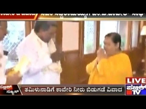 #CauveryWaterWar: CM Siddaramaiah meets Uma Bharti In New Delhi