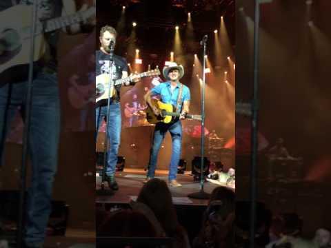 Dierks Bentley/Jon Pardi Give it away BB&T Camden NJ August 5th 2017