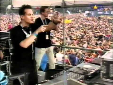 BLANK & JONES - LIVE @ LOVEPARADE 2000.mpg