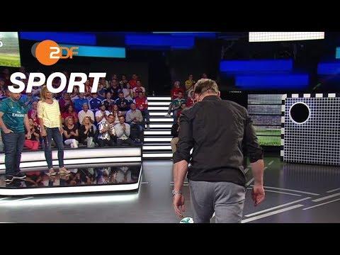 Torwandschießen: Borja Somoza Fernandez gegen Ralph Hasenhüttl   das aktuelle sportstudio – ZDF