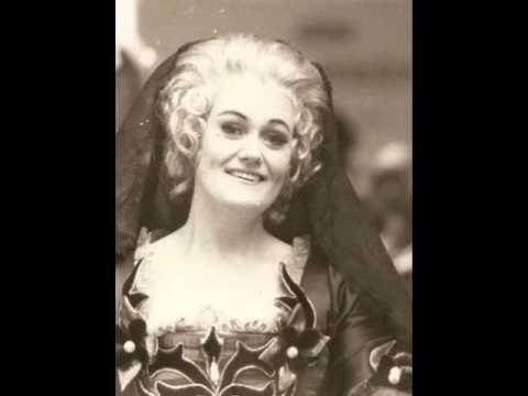 Joan Sutherland ❦ Rodelinda: Ritorna, oh caro e dolce mio tesero