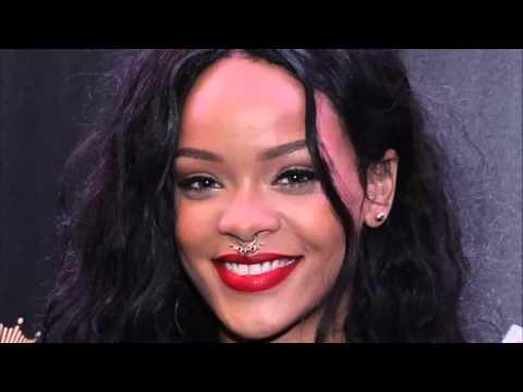 Rihanna - PrintScreen - Kiss It Better