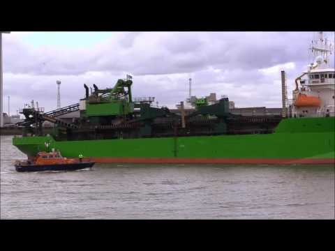 Thames Shipping by Richie Sloan, The CHARLEMAGNE Hopper Dredger.