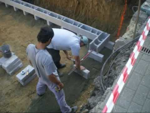 Travaux piscine premi re youtube for Piscine a debordement