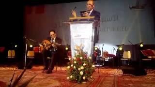 صفاقس عاصمة للثقافة العربية: وزير الثقافة يعزف على العود بمناسبة إنطلاق الاسبوع الثقافي الجزائري
