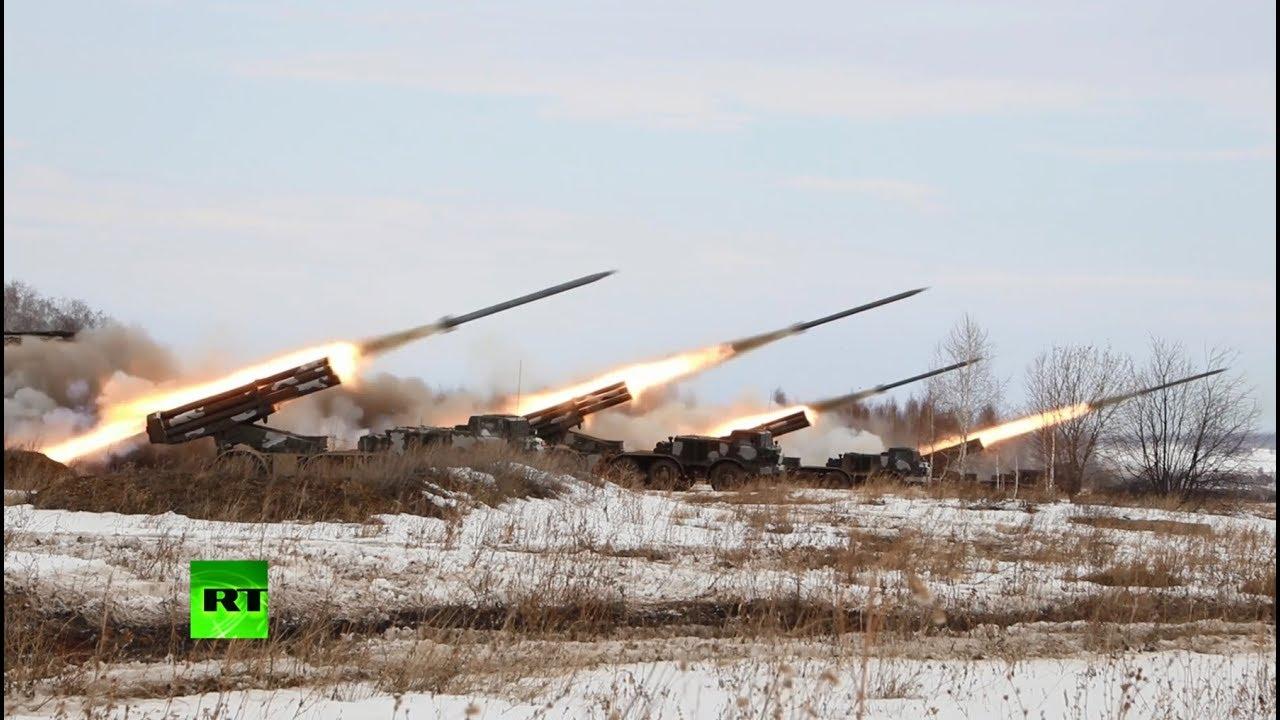 На Урале прошли учения с применением систем залпового огня «Ураган»