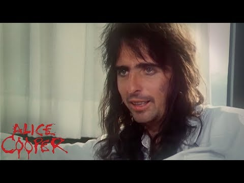 RARE Alice Cooper 1974 Interview During Billion Dollar Babies Tour