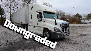 Company Downgraded Me To A OLD SEMI TRUCK | 2016 Freightliner Cascadia LONG HAUL Over The Road |