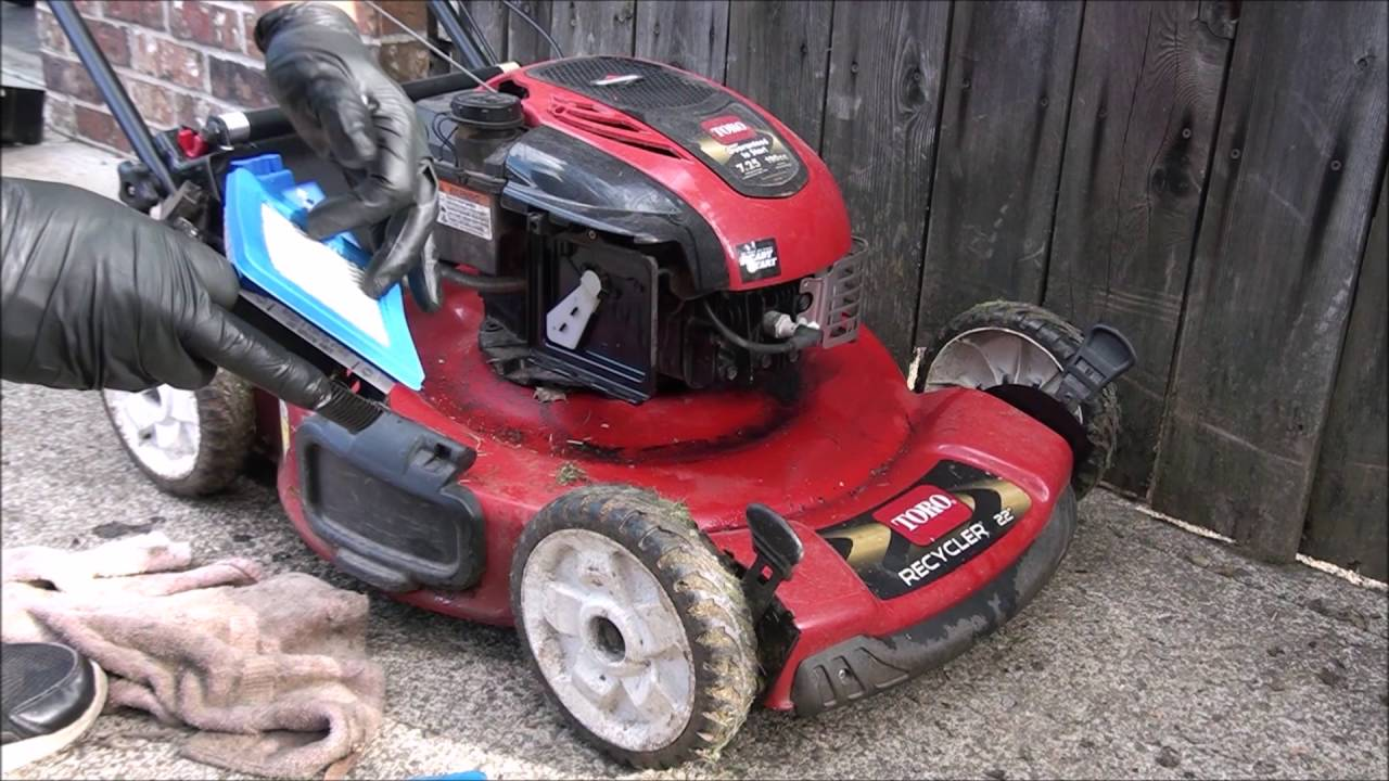 OILY TORO LAWNMOWER - Smokes, Will Not Run  TOO MUCH OIL! FIXED! Air Filter!
