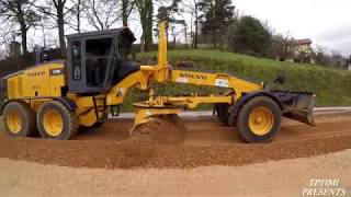 Motor Grader Construction-Skilled operator