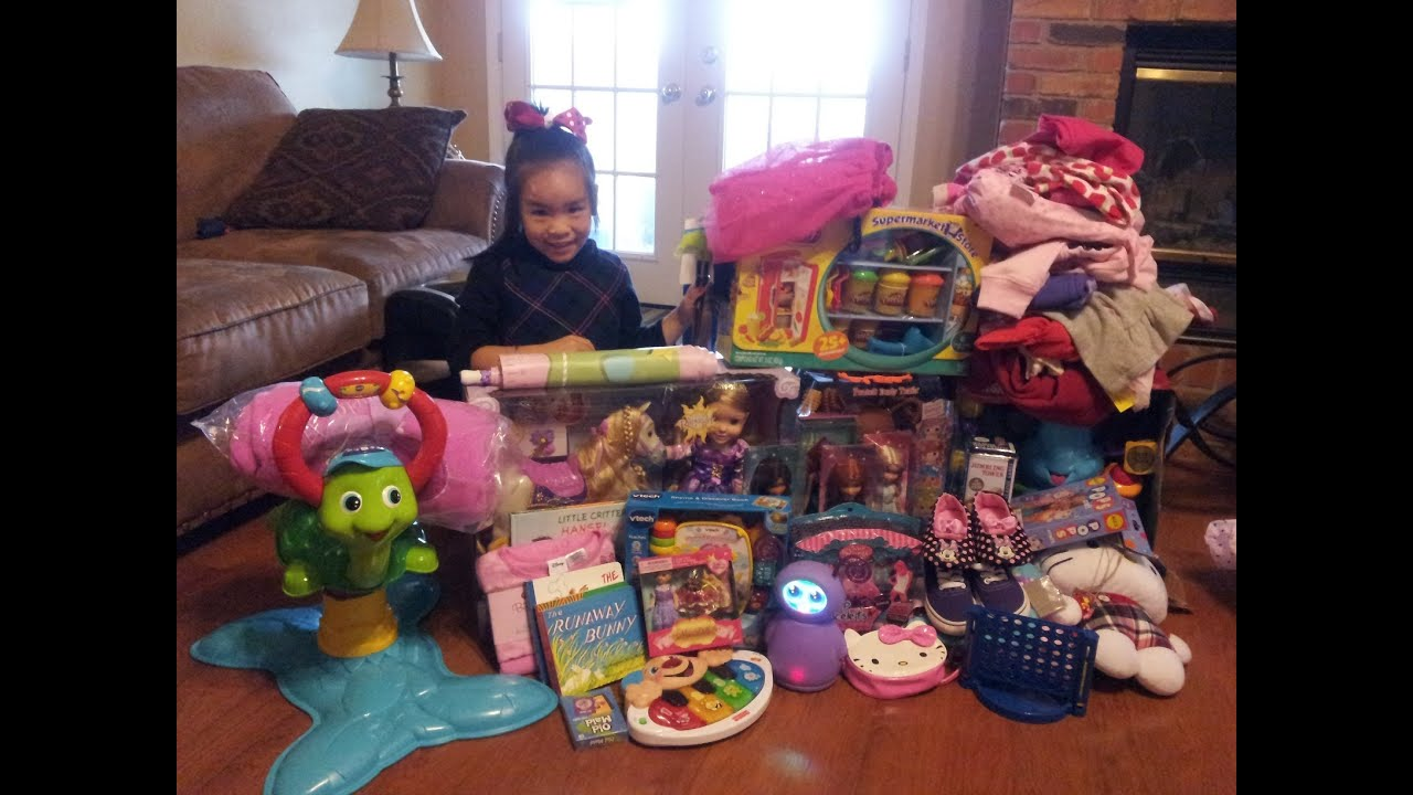 Christmas Morning 2012 - Opening Presents - YouTube