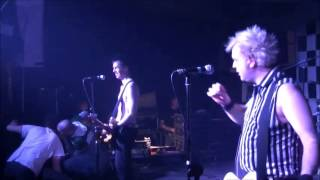 The Toy Dolls - She goes to finos - live@Crash!