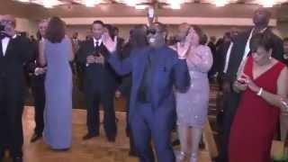 JOHNNY GILL u0026 ROLAND MARTIN #TRUMPETAWARDS2015 DANCE OFF (FIX IT PRODUCTION)