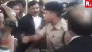 SHOCKING! Cop Beaten By Lawyers With Shoes In Uttar Pradesh