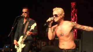 Stone Temple Pilots - Roll Me Under - Live at The Rose in Pasadena, CA on 3/8/18