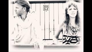 Niki & The Dove - Tomorrow (Instrumental)