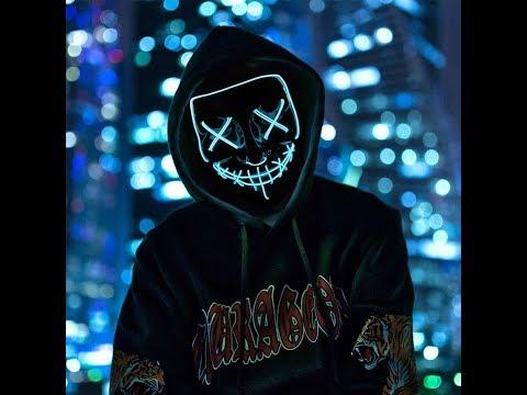 Светящаяся в темноте неоновая маска