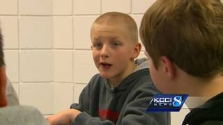 Iowa principal makes bold gesture to support bullied student