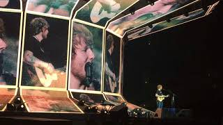 """Ed Sheeran Performs """"Castle On The Hill (Live in Los Angeles)"""""""