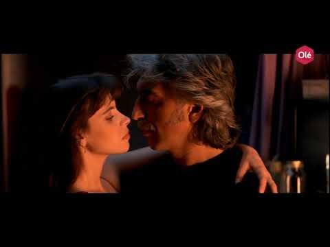 La teta y la luna, la recensione del film erotico di Bigas