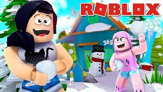 CONGELÁNDOSE EN EL SNOW CON VICTORIA MINEBLOX-Roblox Snow Ball Fighting Simulator