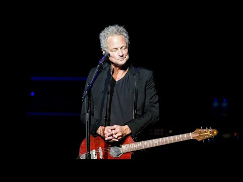 Lindsey Buckingham Has Open Heart Surgery