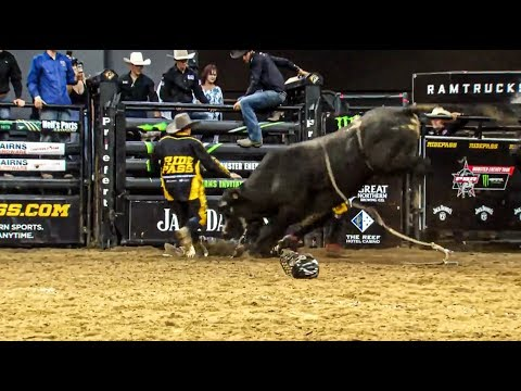 WRECK: Troy Wilkinson Goes Head-to-Head with Bull in Australia | 2019 Cairns