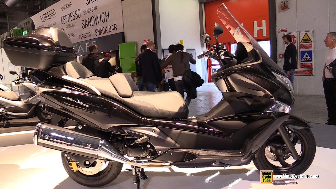 2015 honda sw t600 maxi scooter walkaround 2014 eicma milan motorcycle exhibition youtube. Black Bedroom Furniture Sets. Home Design Ideas