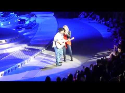 Trisha Yearwood and Garth Brooks - Walkaway Joe - Detroit, MI - 02.20.15