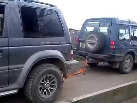 Mitsubishi Pajero VS Land rover discovery cu frana calcata