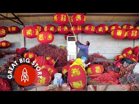 Handcrafting Giant Lanterns in China