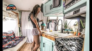 They Quit Their Jobs & Renovated A 2008 RV Into A FullTime Tiny Home On Wheels Video