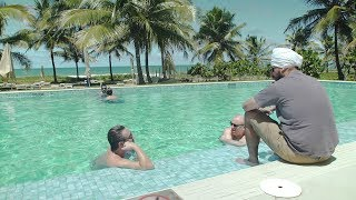 itpm-mentoring-students-getting-tuition-by-the-pool-brazil