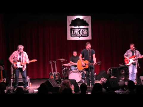 Live at The Live Oak | Chris Knight