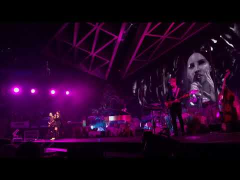 Lana Del Rey LA To The Moon Tour (Concert VLOG) TD Garden Boston Ma 1/13/18