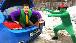 Mr. Joe in Trunk Car VS Green Man found A LOT OF Toy Cars in Chest for Kids