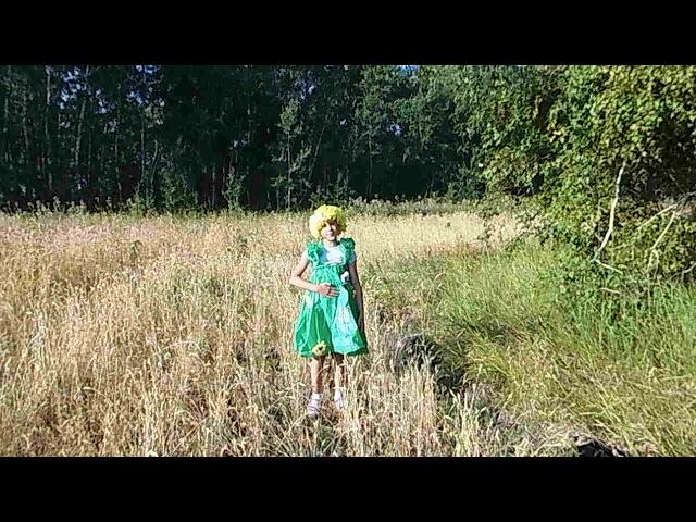 Изображение предпросмотра прочтения – ДарьяРуднева читает произведение «Здравствуй, лето!» Т.В.Боковой