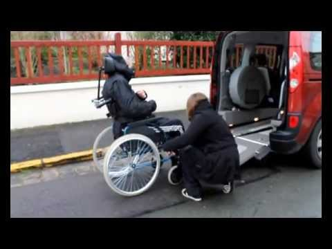 ma renault kangoo tpmr amenagee pour mon fauteuil chaise roulante youtube. Black Bedroom Furniture Sets. Home Design Ideas