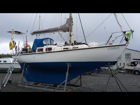 Sailing, self steering, and spinnakers on a long keel Halcyon 27