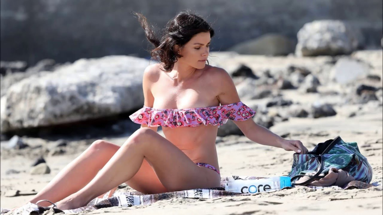 Have courtney robertson bikini happens