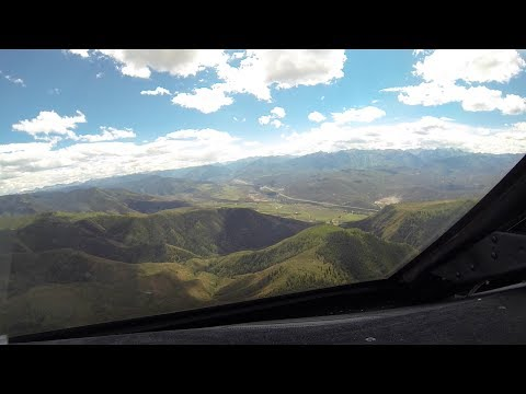 Gulfstream G5, Steep approach and landing, Aspen (KASE).