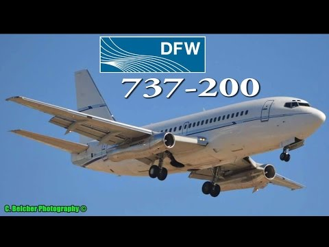 Classic Boeing 737-200 At DFW Airport 2015
