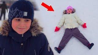 НЕ ПОВЕЗЛО Камилю! Решили ПОКАТАТЬСЯ на горке Видео для детей for Kids Children