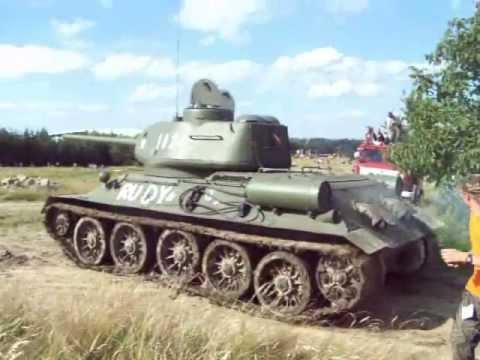 Czołg T 34 / 85 . XIII Operacja Południe (2013) - YouTube